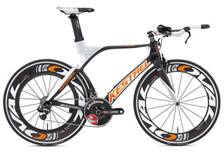 やはり理想はトライアスロンに特化したデザイン、性能をもつTTバイク