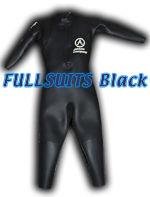 フルスーツタイプ。腕も含め全身を覆うタイプ。水温の低い大会やロングディスタンスでの使用比率が高い。